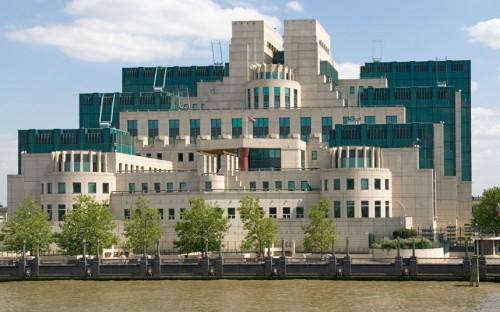 Il SIS Building a Londra, sede del celebre MI6, servizi segreti inglesi
