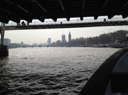 A Londra ci si muove anche in barca, sul Tamigi